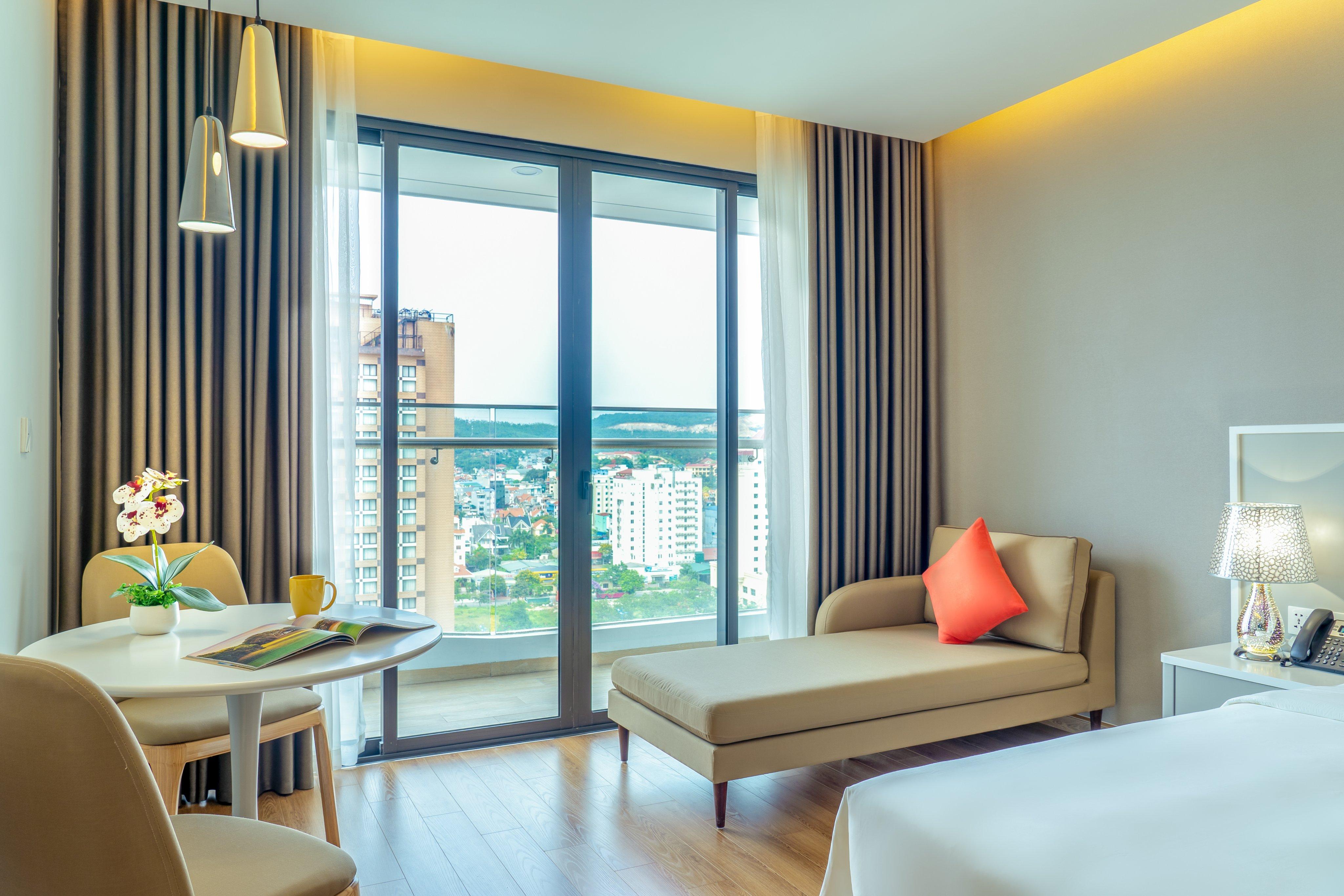 phòng khách sạn Eastin Phát Linh