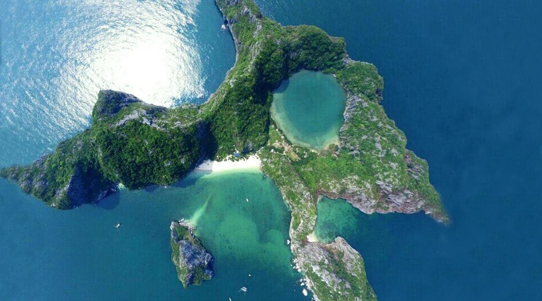 đảo Mắt rồng - hay đảo Bái đông