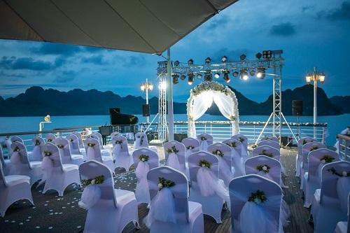 tiệc cưới du thuyền