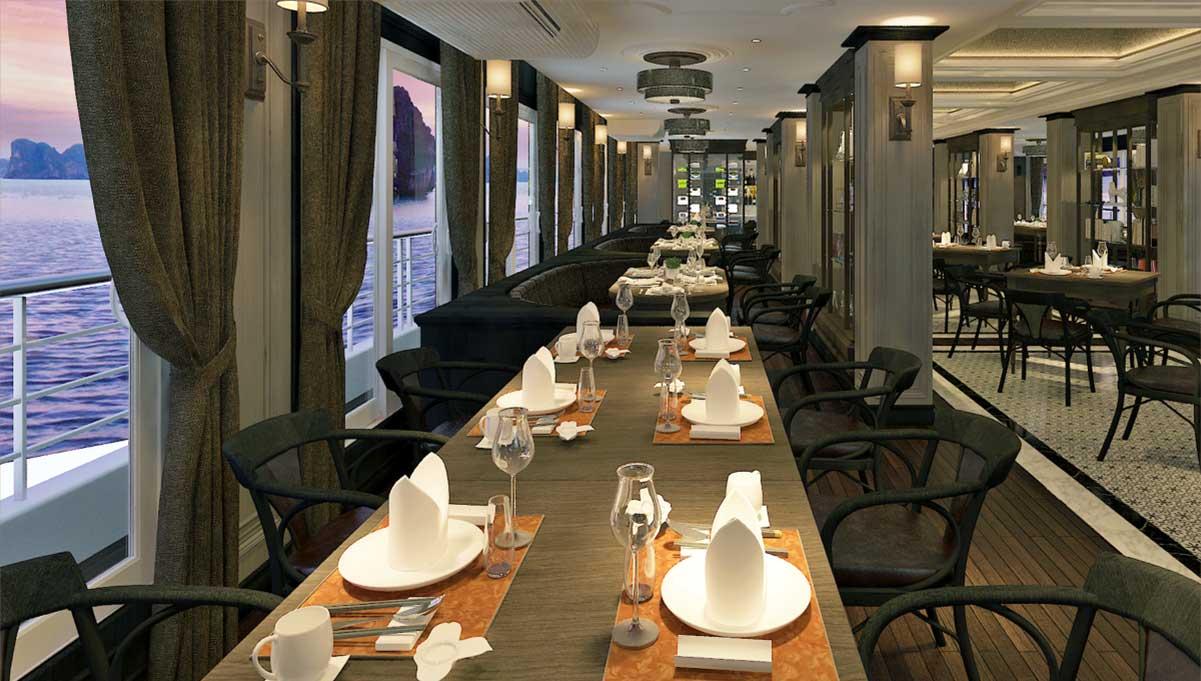 nhà hàng rộng rãi trên du thuyền Paradise Grand