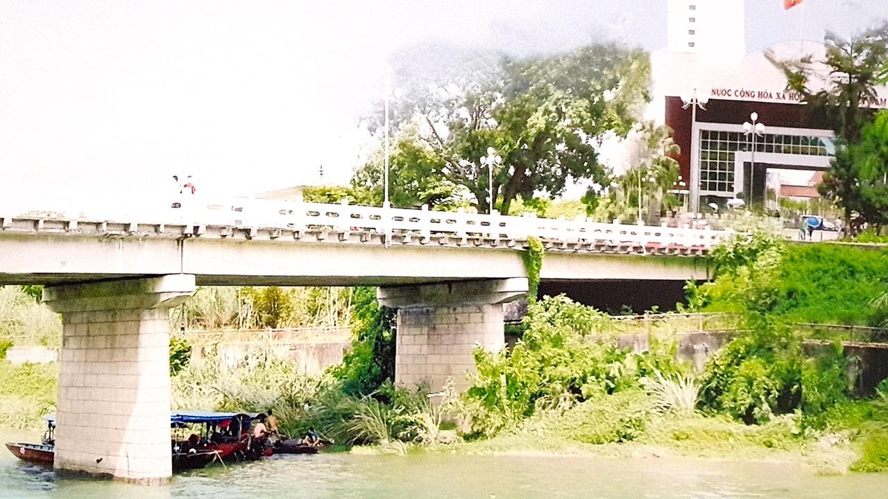 cầu qua biên giới Việt trung