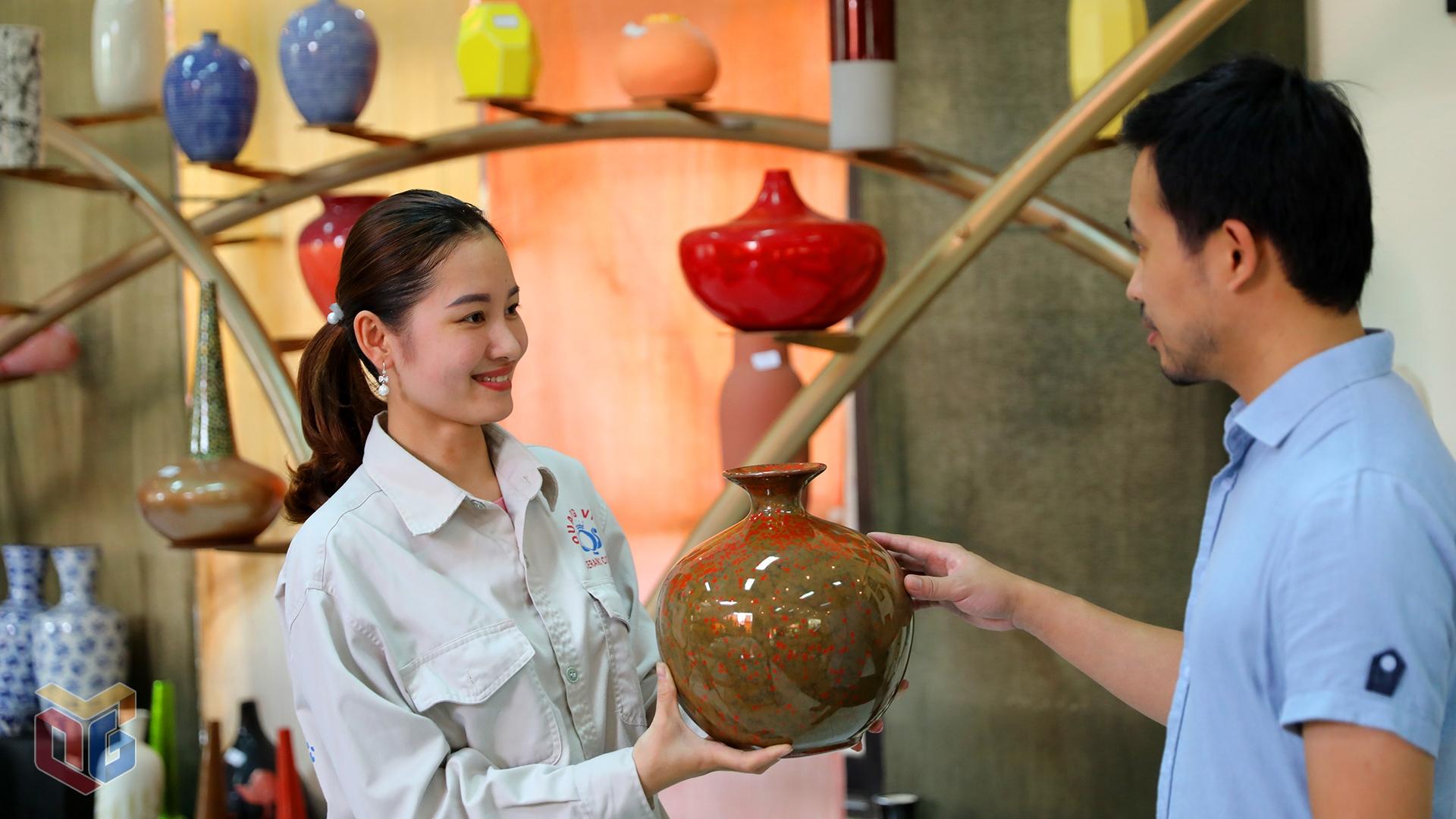 sản phẩm gốm sứ Đông Triều của tỉnh Quảng Ninh