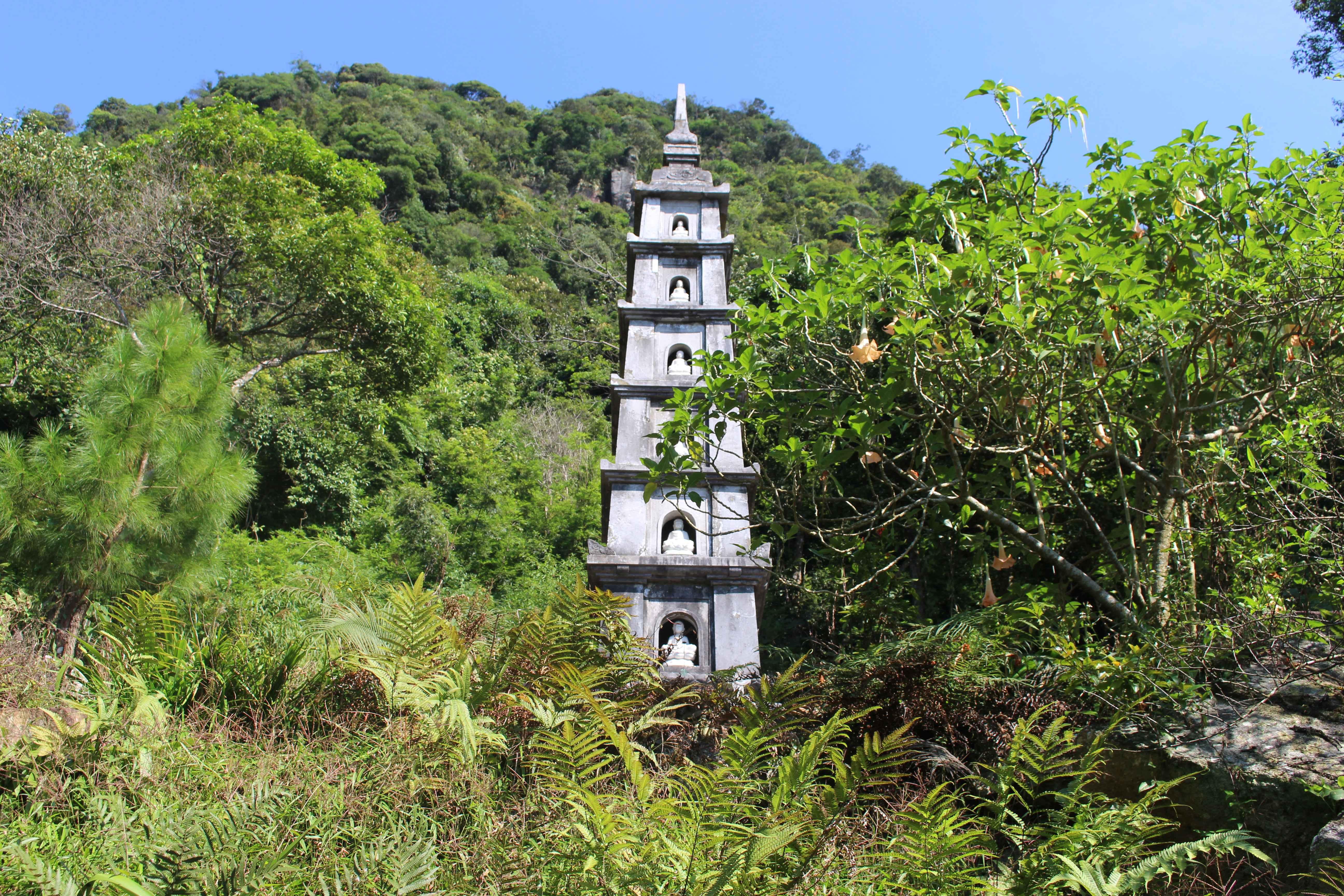 tháp 7 tầng chùa Hồ Thiên