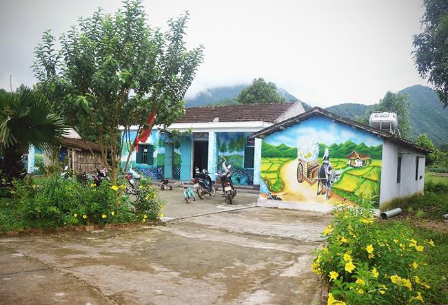 ngôi làng bích hoạ pò hèn Móng cái