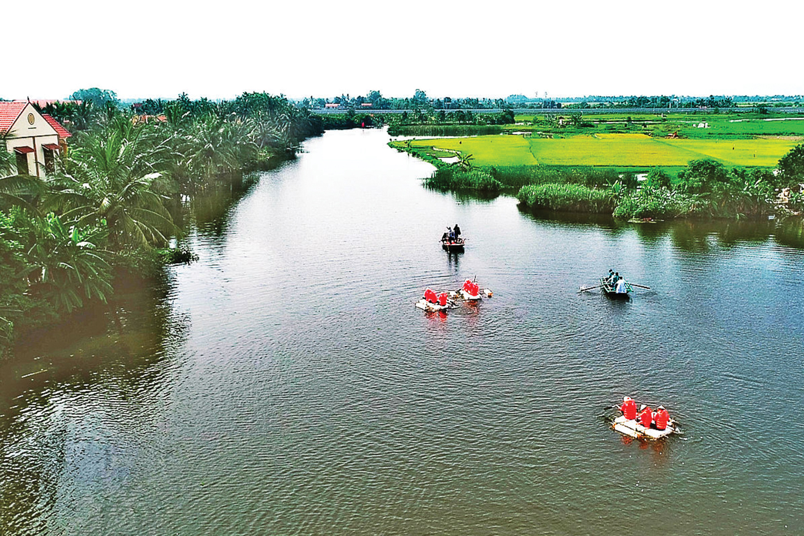 """Teambuilding """"Cốc cốc đảo Hà Nam"""" diễn ra trong không gian đậm sắc màu văn hóa và cảnh quan tuyệt đẹp của đảo Hà Nam, TX Quảng Yên (5-2020). Ảnh: Đức Cảnh"""